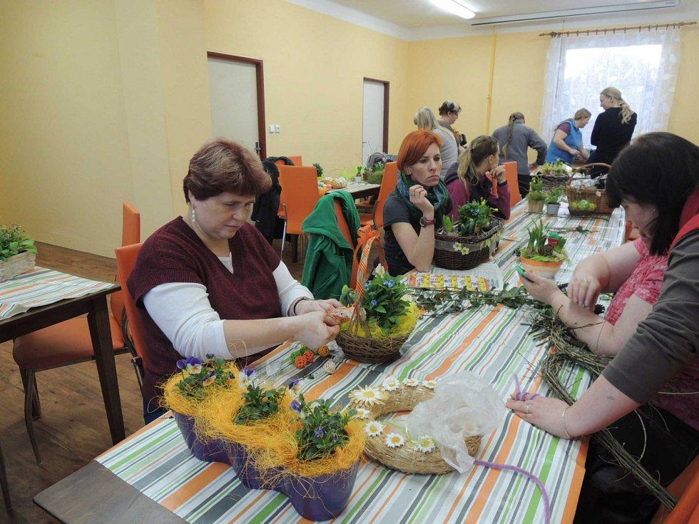 Velikonoční dílna ve Vitiněvsi.