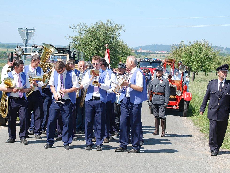 Oslavy zahájila kapela Táboranka.