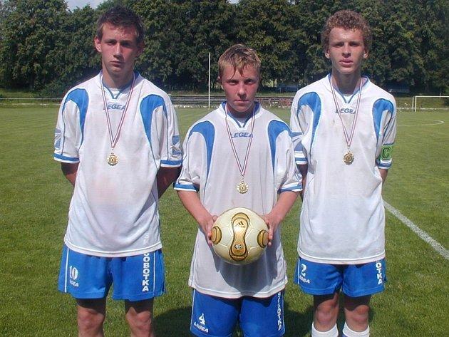 Nejlepší tři střelci sobotního utkání, zleva Matouš Men, Martin Kumstát a Vítězslav Bárta.