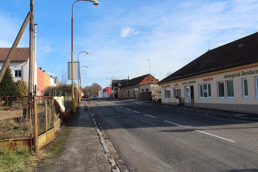 Objízdná trasa kvůli opravě mostu v Hořicích.