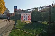 Zahájení stavby nové vrátnice a lékárny v jičínské nemocnici.