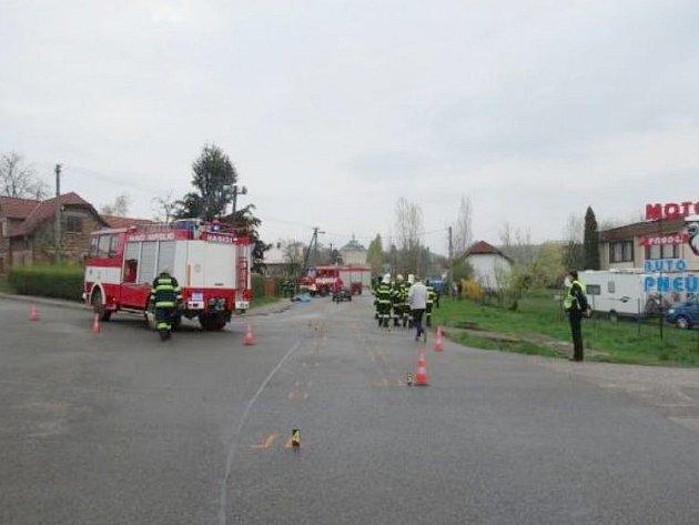 V Jičíněvsi zemřela při střetu s automobilem chodkyně.
