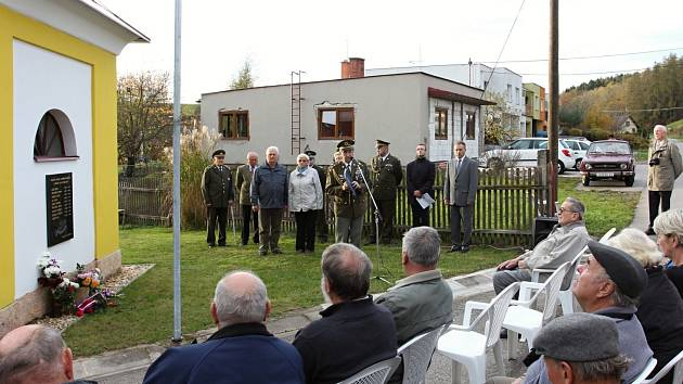 V Lánech byla odhalena pamětní deska padlým v 1. světové válce.