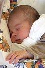 ŠTĚPÁN MOLNÁR se 20. února narodil manželům Martině  a Tomáši Molnárovým. Po narození měřil 50 cm a vážil 3,92 kg.  Doma v Kněžnicích na Štěpánka čekala dvouletá sestřička Ema.