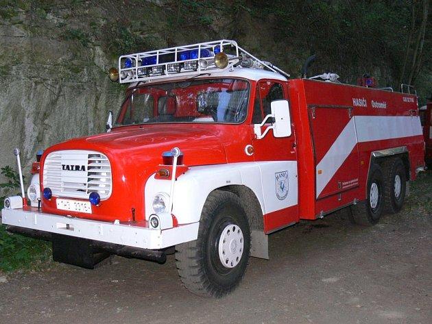 Na veškeré dění na střelnici dohlíželi místní dobrovolní hasiči, naštěstí jejich nová cistena nebyla zapotřebí využít.