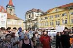 Na demonstraci proti Andreji Babišovi přišlo v Jičíně pět set lidí.