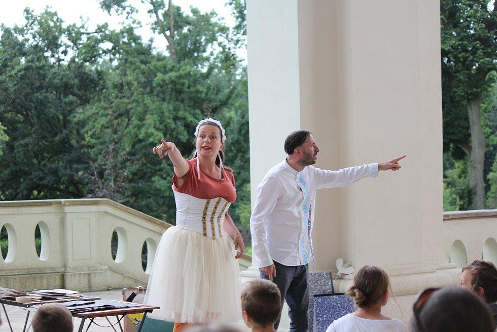 Členové brněnského Divadla Dno se prý do Lodžie i do Staré Paky rádi vrací.