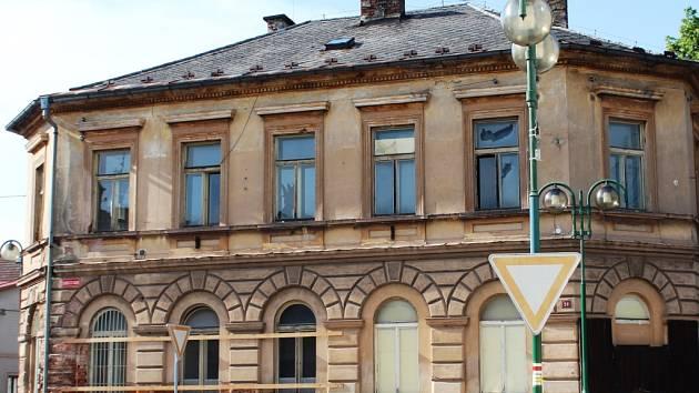 Vedení města pozvalo veřejnost k prohlídce domu čp. 28, který stojí v severní části náměstí.