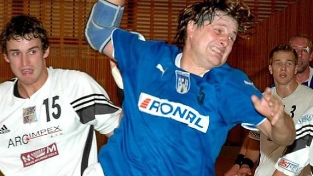 Vladimír Hrubý je výborným střelcem.