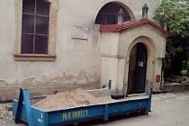 Rekonstrukce synagogy v Hořicích.