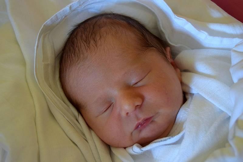 Ondřej Bydžovský je na světě! Narodil se mamince Martině a tatínkovi Ondřejovi, a to 21. září 2021. Chlapeček vážil 3100 g a měřil 48 cm. Rodina bydlí v Loučné Hoře, části obce Smidary.