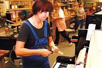 Sedm tisíc pianin a klavírů vyrobili v minulém roce ve společnosti Petrof s.r.o.