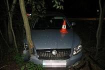 Bez řidičáku a pod vlivem vyjel v noci na benzinku