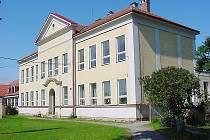 Škola v Cerekvici.