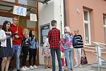 Takto přivítali prvňáčky na Základní škole Poděbradova v Jičíně.