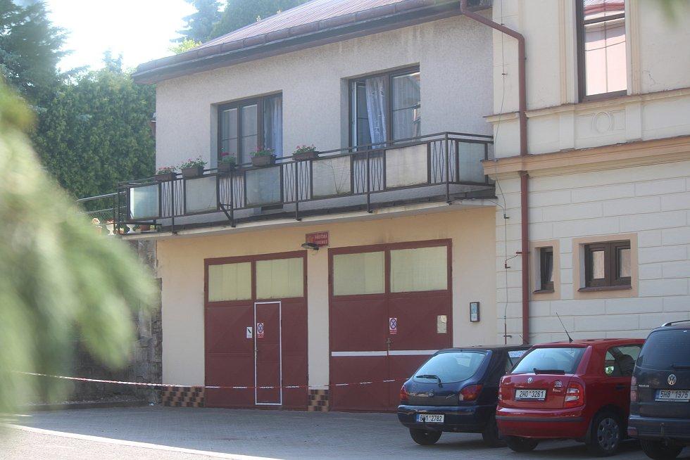Stará Paka - Přístavba hasičské zbrojnice se společenským sálem.