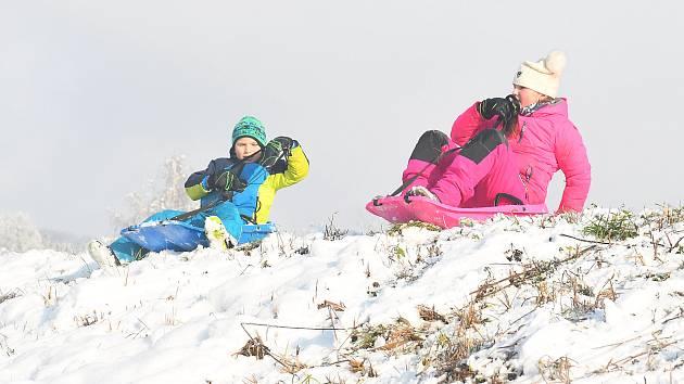 V sobotu 9. ledna svítilo v Lužanech u Jičína krásně sluníčko a byl nádherný zimní den.