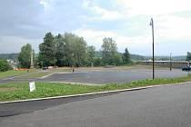 Nové parkoviště na hořickém Gothardě.