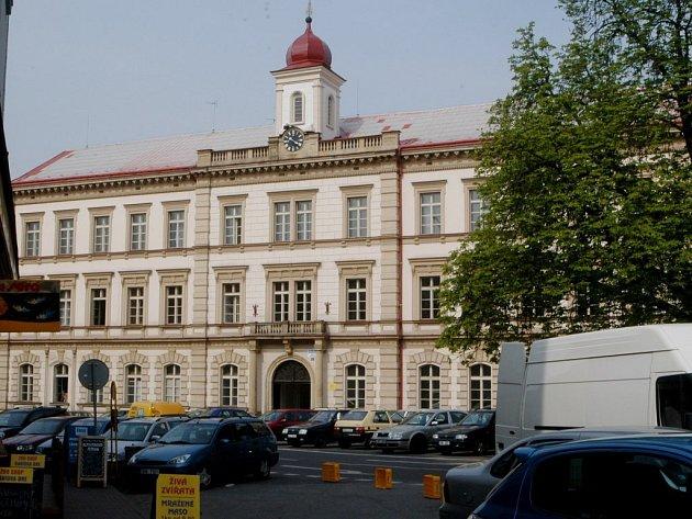 Jedna ze tří budov jičínské průmyslové školy.