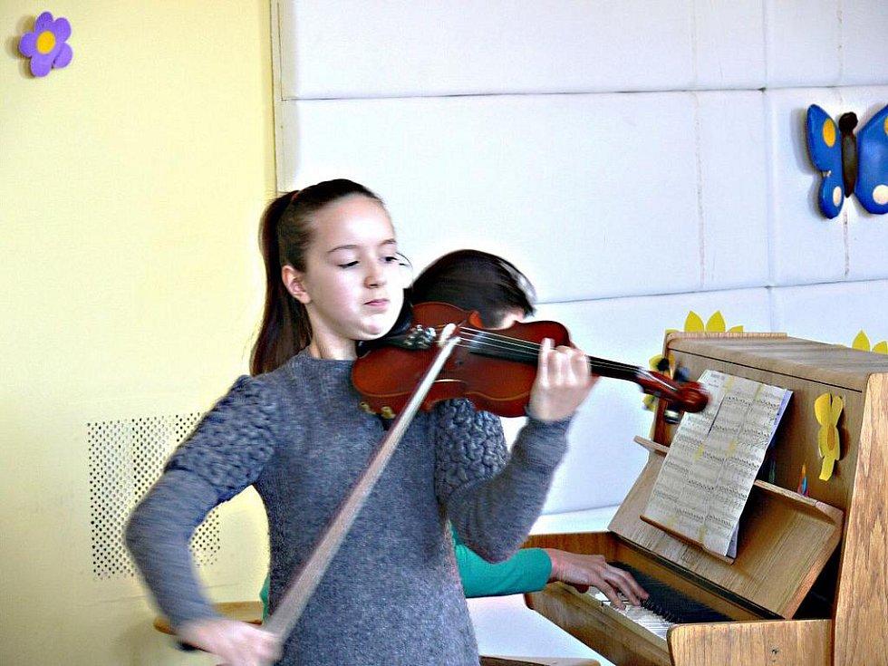 Soutěž mladých houslistů Muzika Paka.