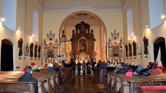 Adventní koncert v kostele sv. Vavřince ve Staré Pace.