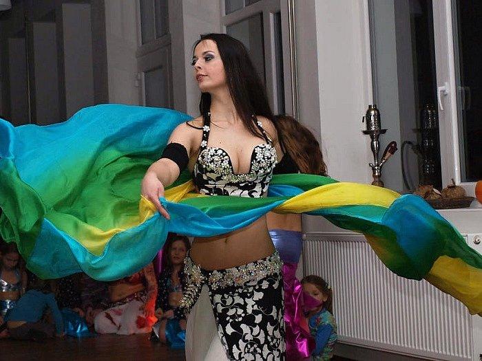 Orientální tanec v Dolní Brusnici.