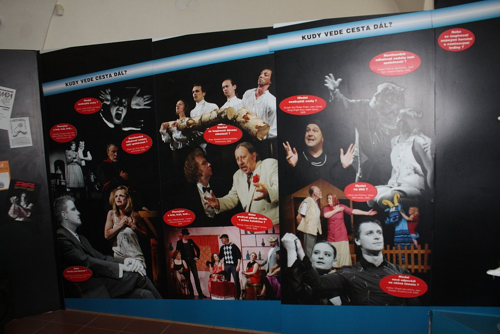 Miletínské muzeum zahrnuje historii ochotnického divadla od 12. století až po současnost.¶