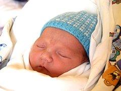 VOJTĚCH LACKO přišel na svět 19. září s porodní mírou 51 cm a váhou 3,33 kg. Dělá radost rodičům Andree a Michalovi Lackovým.  Doma v Jičíně na bratříčka čeká dvouletý Matěj.