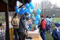 Z vypouštění balonků v Ubislavicích.