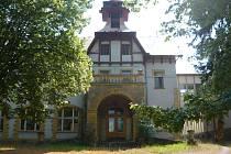 Objekt bývalé železnické léčebny.