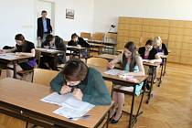 Maturitní zkoušky v jičínské MOA.