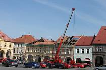 Oprava střechy budovy Káčka.