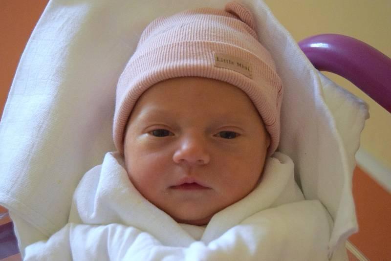 Natálie Antošová spatřila světlo světa 20. září 2021, vážila 3020 g a měřila 50 cm. Těšili se na ni maminka Veronika Švecová a tatínek Vlastimil Antoš. Rodina bydlí v obci Dětenice.