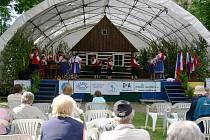 Folklorní festival Pod Zvičinou.