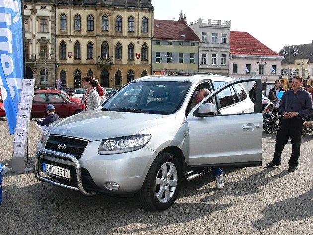 Nový Hyundai Santa Fe, hlavní cena v soutěži Dne s Deníkem.