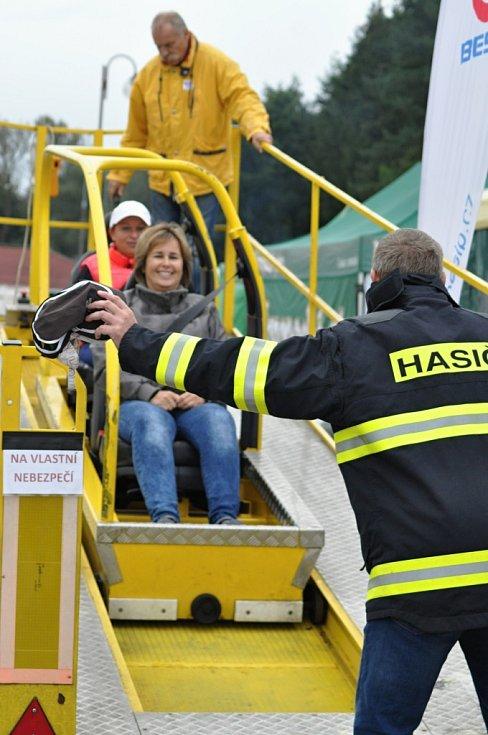 Na vrchu Gothardu se při příležitosti 120. výročí sboru dobrovolných hasičů v Hořicích a 25. výročí profesionální požární ochrany v Hořicích konal Den Integrovaného záchranného systému.