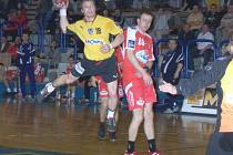 Michal Kvasnička při střelbě.