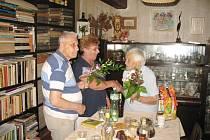Oslava devadesátin paní Aleny Krausové.