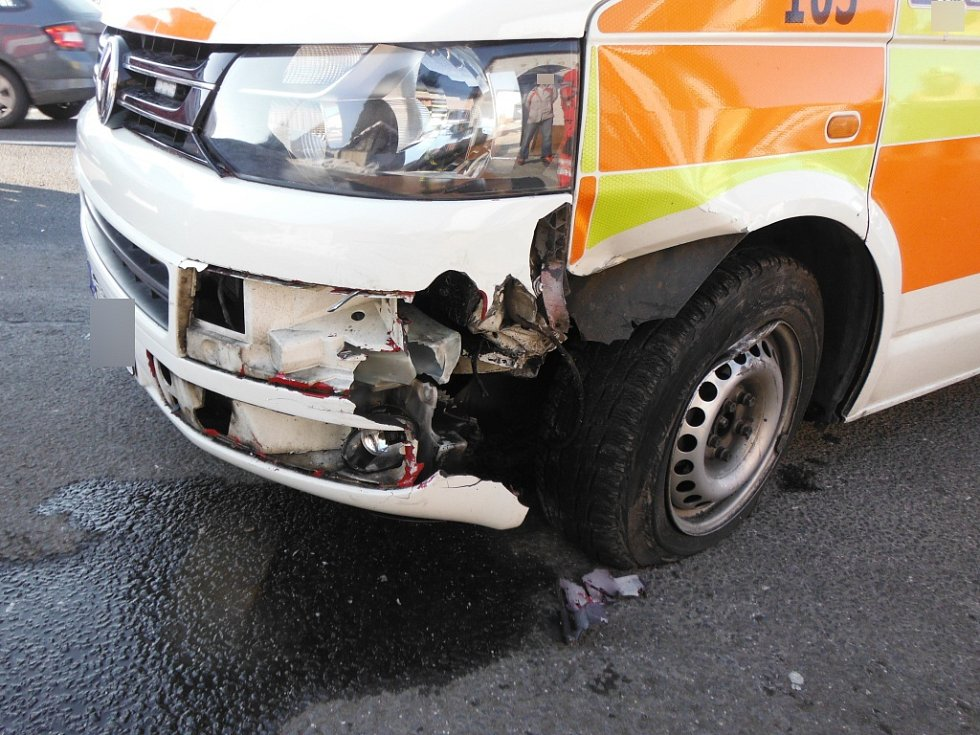 Střet dvou vozidel v Konecchlumí.