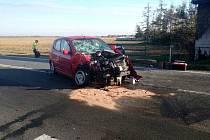 Tragická dopravní nehoda dvou osobních vozidel u Lhoty pod Libčany.