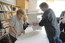 Volby v Úhlejově.