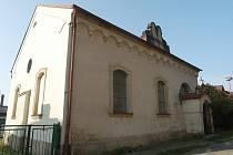Bývalá židovská synagoga v hořické Tovární ulici.