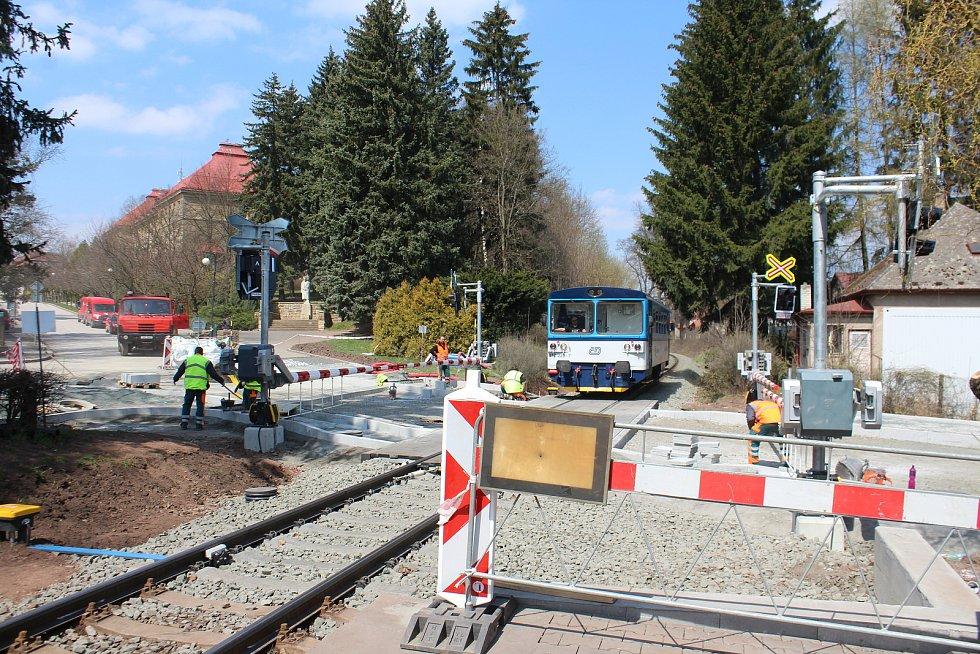 Železniční přejezd bude zprůjezdněn v pondělí