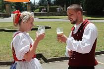 Folklor jižní Moravy, severní Moravy, jižních Čech, severovýchodních Čech, Vysočiny a Podkrkonošský. Představily se tradice Slovenska, Portugalska, Lotyšska a Holandska.