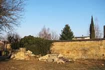 Prostor u miletínského hřbitova.