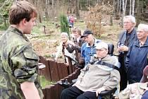 Z návštěvy handicapovaných umělců v muzeu přírody.