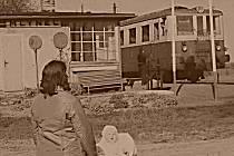 Stará zastávka v Mlýnci, rok 1976.