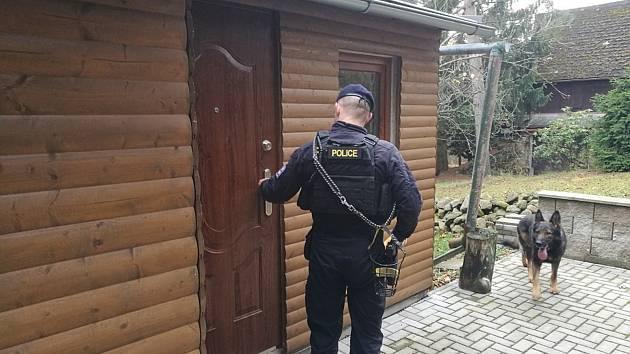 Policisté se v zimním období věnují také kontrole chatových oblastí.