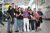 Členové Bridge Builders clubu Jičín před svojí cestou do USA.