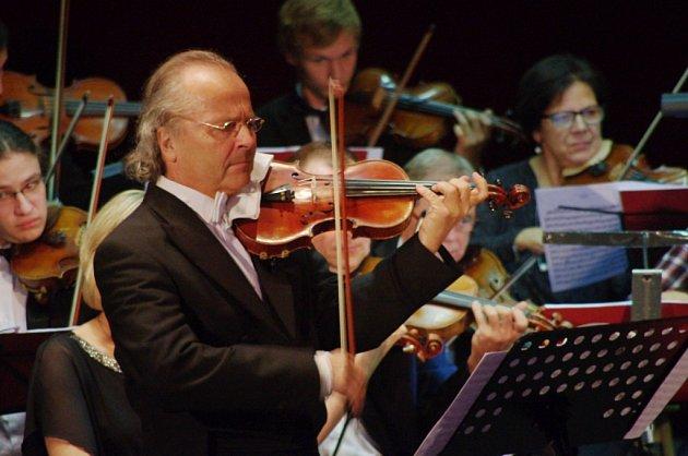 Václav Hudeček.